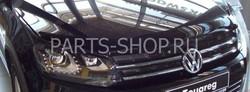 Дефлектор капота темный с надписью Touareg 2011-