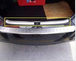 Хромированная накладка на порог багажника Camry 2014