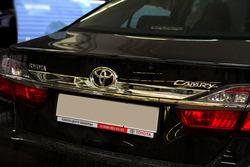 Хромированная накладка на крышку багажника Camry 2014-