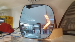 Зеркальные элементы с диодными повторителями, антибликом и подогревом