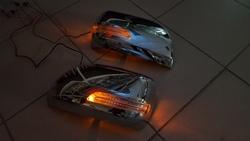 Корпуса зеркал Toyota Land Cruiser 150 Prado с повторителями поворота.