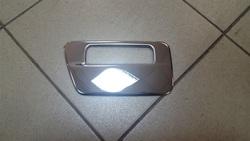 Хромированная накладка на ручку пятой двери из нержавейки LC120
