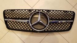 Решетка радиатора для mercedes w208