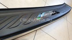Toyota Fortuner накладка защитная с хром молдингом