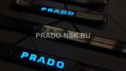 Накладки на пороги с подсветкой внутрисалонные LC150, узкие