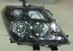 Фары передние на Nissan Patrol 2010-
