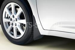Брызговики задние на Avensis. OEM