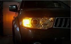 Дневные ходовые огни + поворотник в штатное место