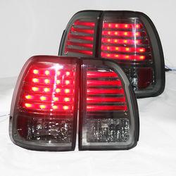 Фонари LX470 светодиодные, дымчатые на 98-02 года