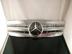 Решетка радиатора C-Class Mercedes  хромированная (3 ламели)