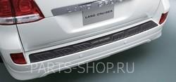 Накладка на задний бампер LC200 (поставляется в цвет авто)
