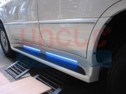 Пороги с неоновой подсветкой LC100 (комплект)