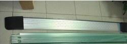 Подножки LC100/LX470 как оригинал, светлые или чёрные