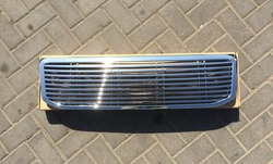 Решётка радиатора хром полосы из пластика на LC120