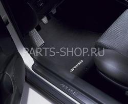 Коврики в салон черные текстильные для Avensis