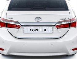 Задняя хромированная накладка крышки багажника Toyota Corolla 2013-