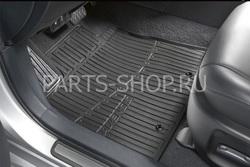 Коврики салона резиновые с логотипом Avensis черные