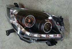 Фары передние линзовые Land Cruiser 150 Prado с ходовыми огнями.