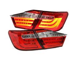 Фонари задние красно-белые дизайн Lexus на Camry 2011-