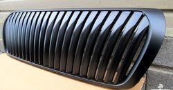 Решетка радиатора WALD LC200 черная